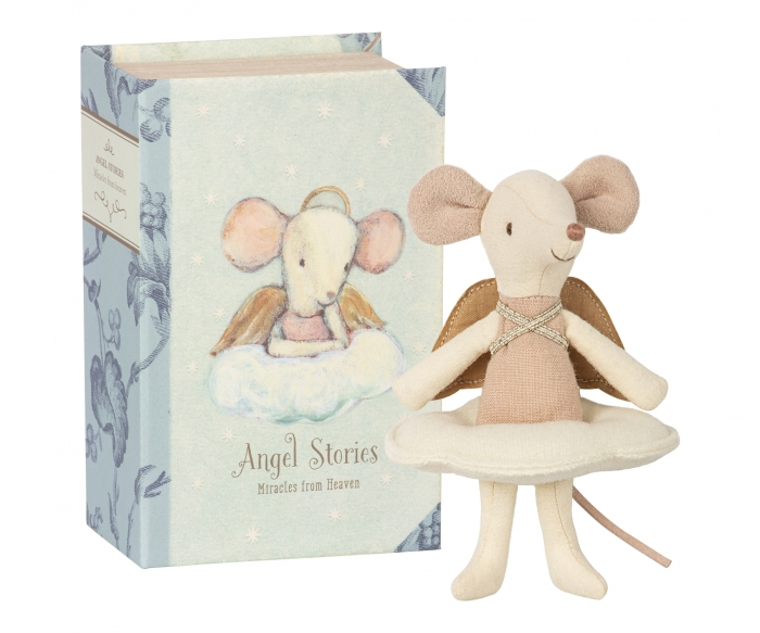 Angel mouse, big sister in book 0